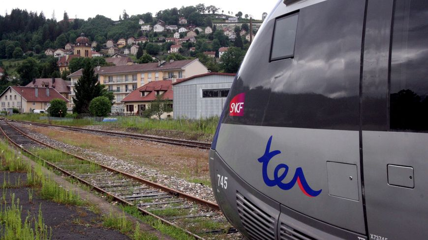 La ligne SNCF des horlogers, entre Besançon et La Chaux-de-Fond, reprendra du service en temps et en heure