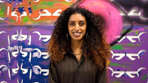 """Ahlam Jarban, réfugiée yéménite : """"J'ai été la première femme à faire des graffitis au Yémen"""""""