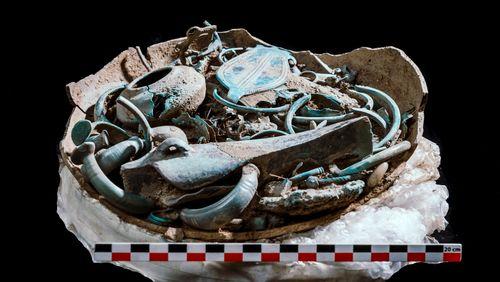 Exceptionnelle découverte à Gannat (Allier) : des trésors pour les dieux ?
